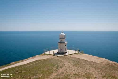 Меганомский маяк