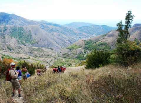 Спуск с перевала Горуча