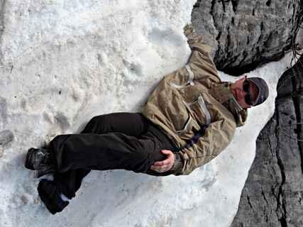 Григорий на снегу. Ай-Петри